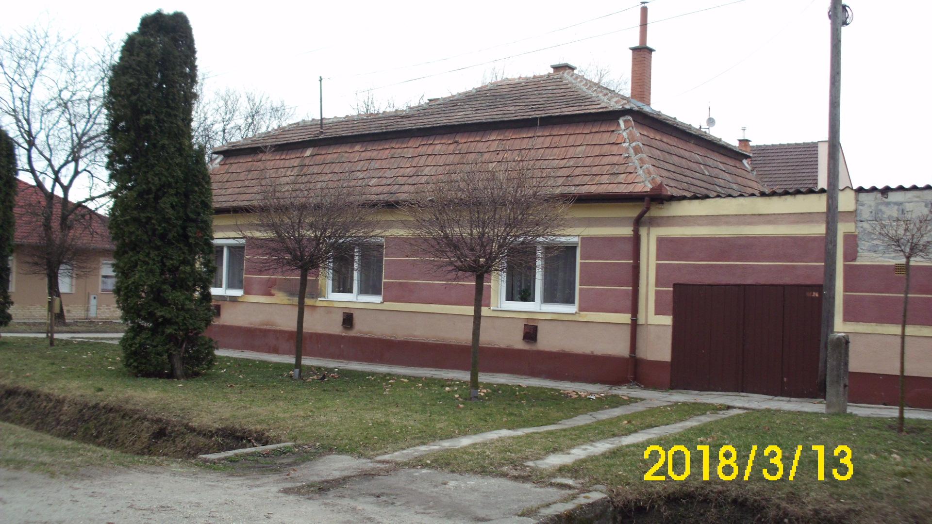 Kiskunhalas, Damjanich utcában lakóház