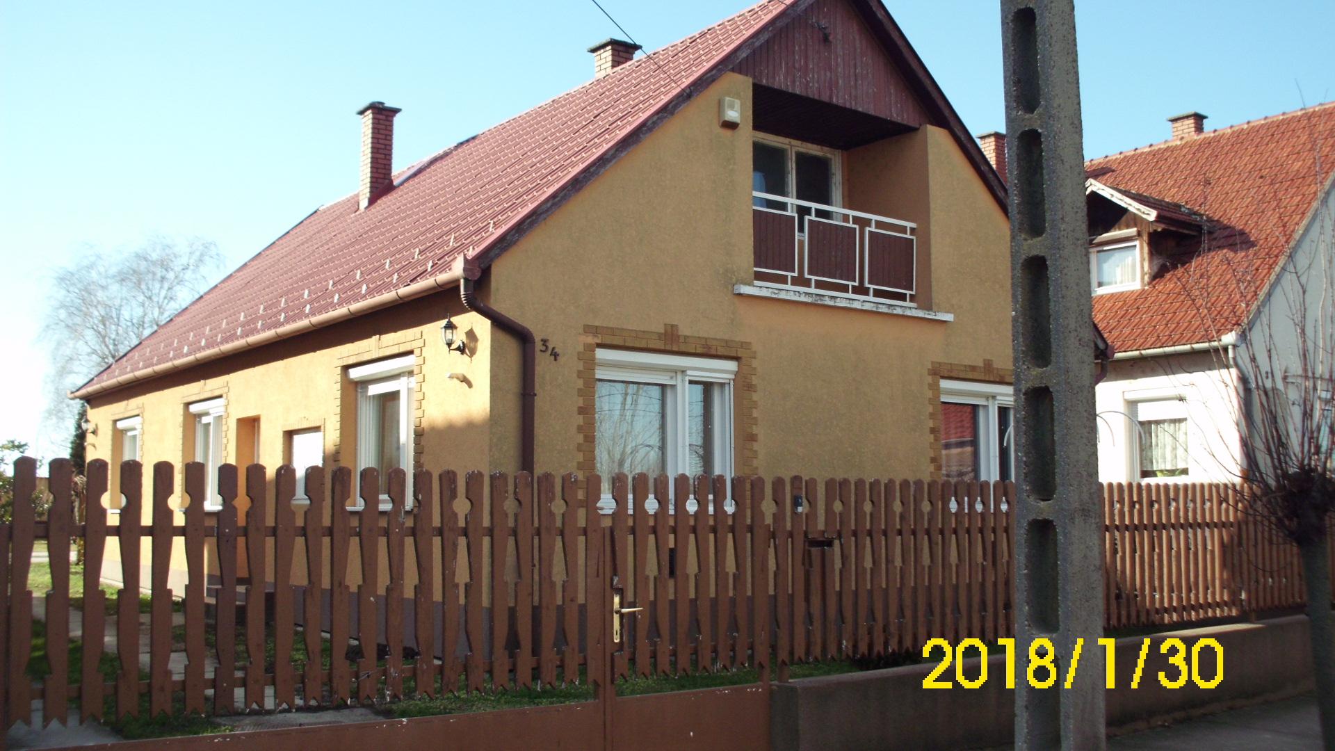 Jánoshalmán hőszigetelt felújított családi ház